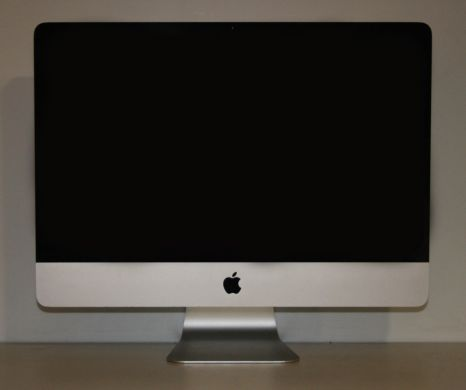 Apple iMac 21.5 Inch (Mid 2011) / LED FullHD 1920x1080 / Intel® Core™ i5-2400S (4 ядра по 2.5 - 3.3 GHz) / 8 GB  DDR3 SO-DIMM / 500 Gb HDD (7200 rpm) + AMD Radeon HD 6750M (512MB GDDR5)